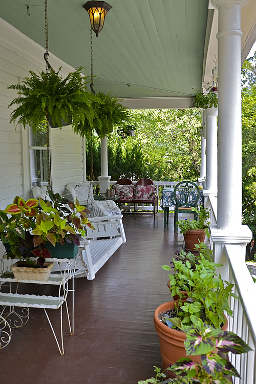 Picture of the porch.