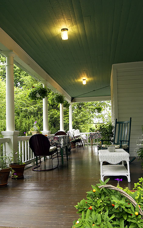 Picture of the covered porch.
